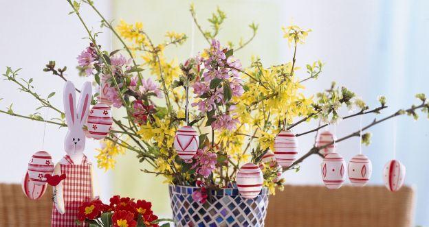 Kwitnące gałązki w wazonie