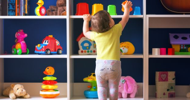 dziecko i zabawki