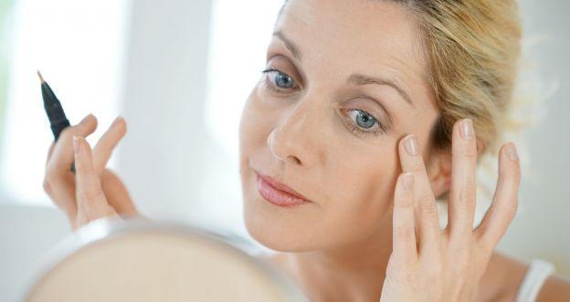 5 błędów w makijażu, które postarzają
