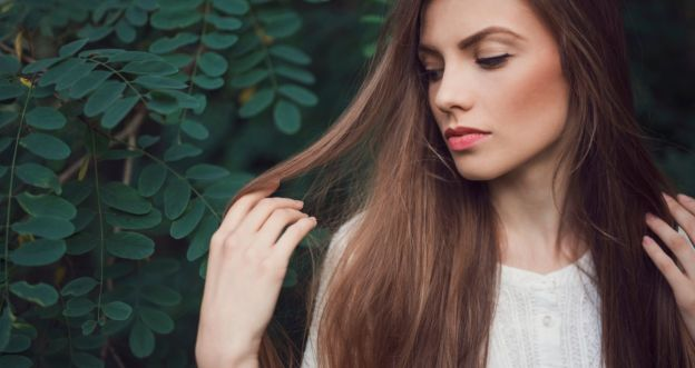 Sposoby na naturalną regenerację włosów