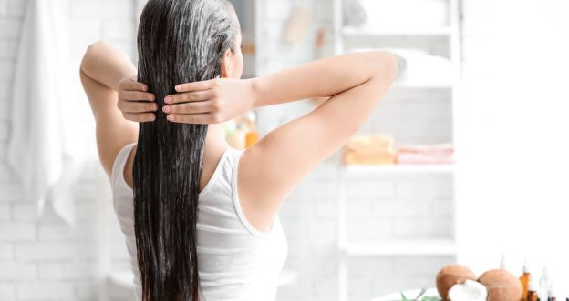 Domowe maseczki na puszące się włosy