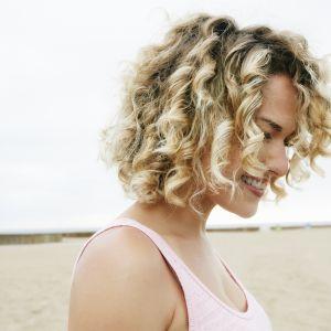 Kręcone Włosy Najładniejsze Fryzury Dla Każdej Długości