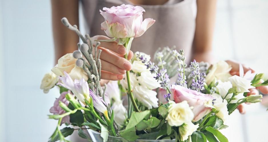 Sprawdzone Sposoby By Kwiaty Cięte Długo Stały W Wazonie