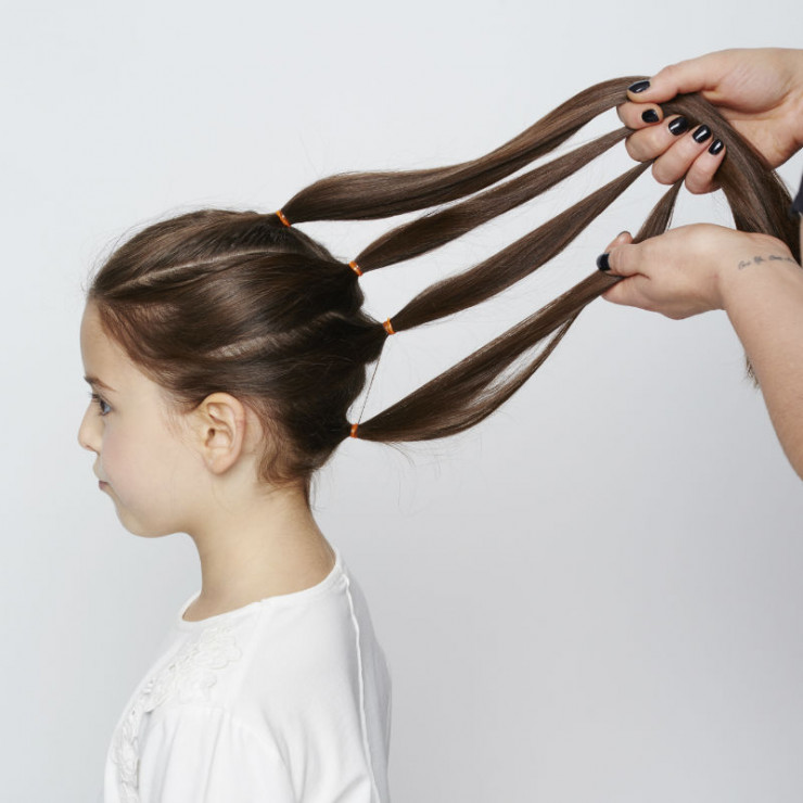 Chwalebne Warkocz XXL - krok 1 - 3 pomysły na plecione fryzury dla dziewczynki SV94