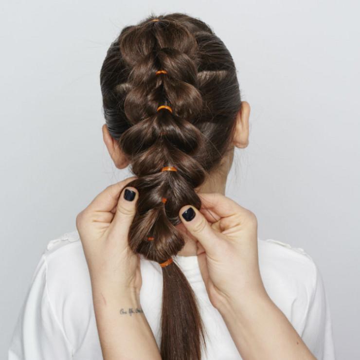 Modne ubrania Warkocz XXL - krok 3 - 3 pomysły na plecione fryzury dla dziewczynki HF74