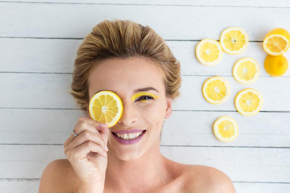 Domowa maseczka z cytryny - 3 domowe maseczki na twarz, które warto wypróbować