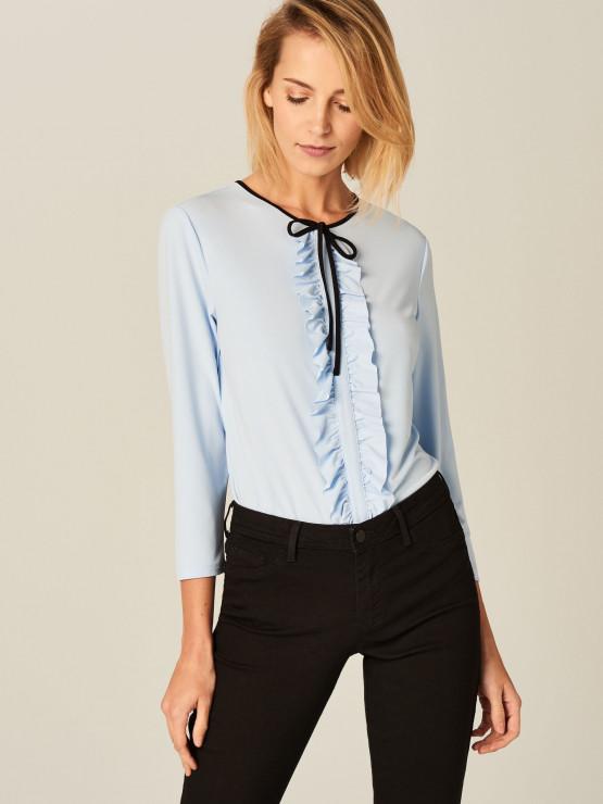 Elegancka bluzka z żabotem Mohito, 29,99 PLN - 5 modowych trików, które naprawdę działają!