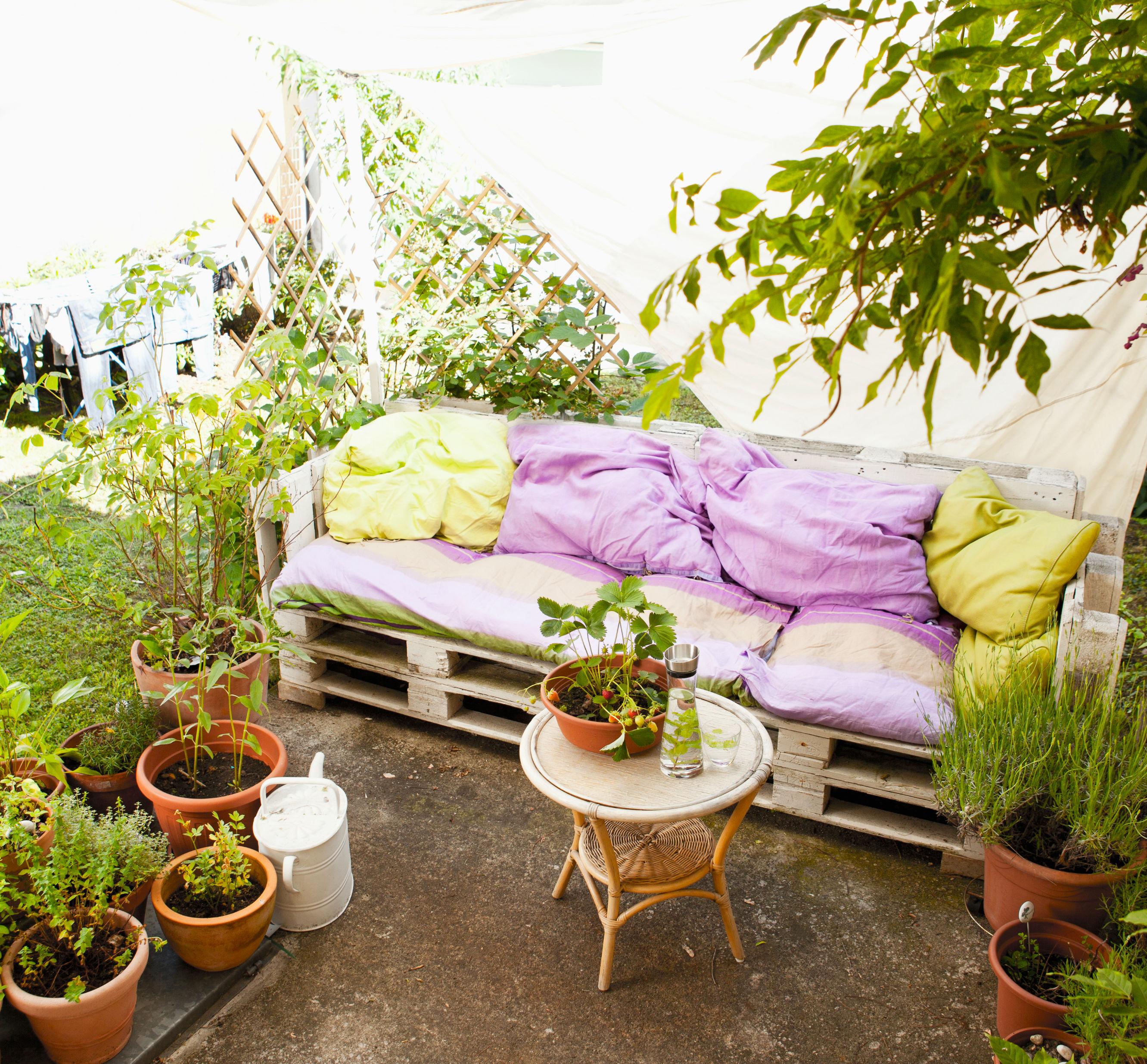 Poduchy Na Meble Ogrodowe Z Palet : Meble ogrodowe z palet  5 stylowych pomysłów  Claudia