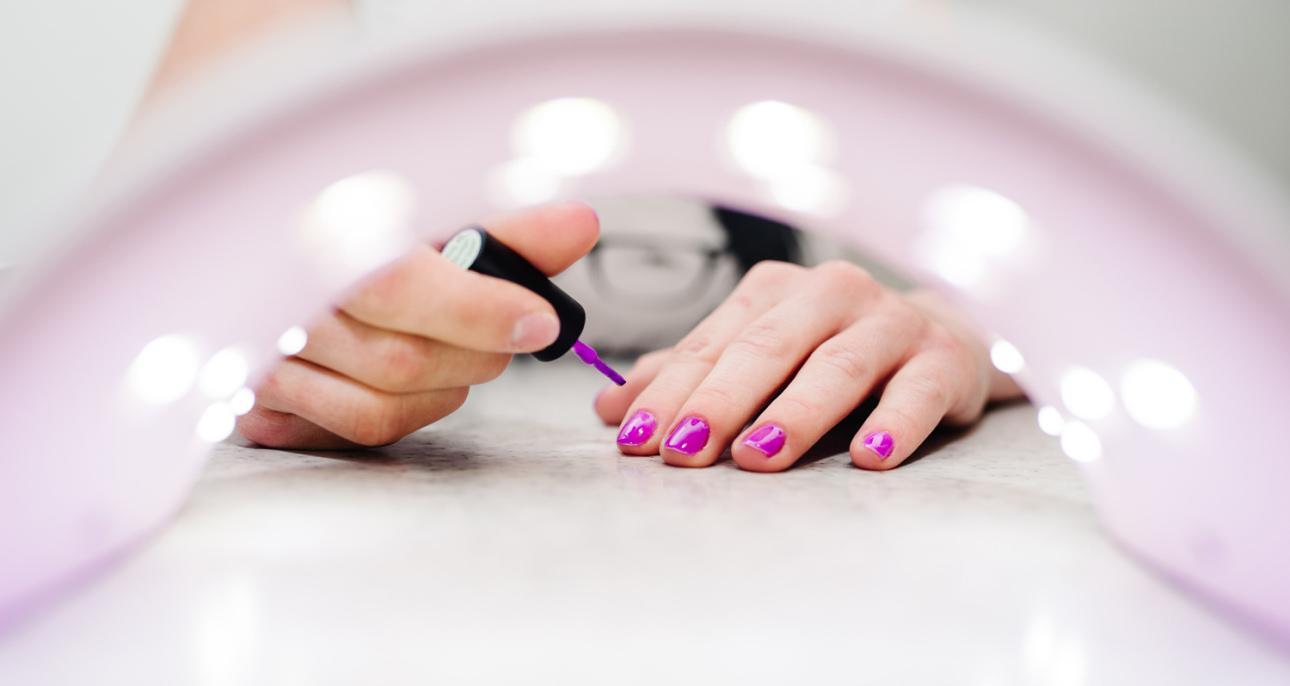 Jak Zrobic Manicure Hybrydowy W Domu Claudia Pl